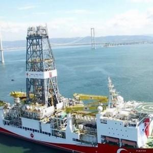 Δεν προλαβαίνει να αγοράζει πλωτά γεωτρύπανα η Τουρκία