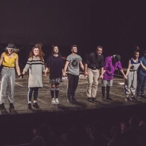 Καταχειροκροτήθηκε η πρεμιέρα της παράστασης «Παραμύθι για δύο»