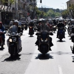 Μοτοπορεία διανομέων ενάντια στο ασφαλιστικό νομοσχέδιο
