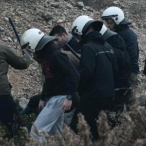 Δέκα με κράνη και γκλομπ εναντίον ενός στη Χίο (video)