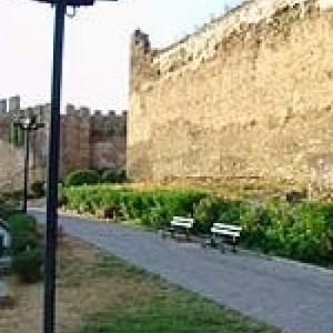 Περίπατος στα Τείχη της Πόλης