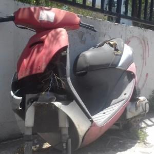Παρατημένα οχήματα στους δρόμους της Θεσσαλονίκης