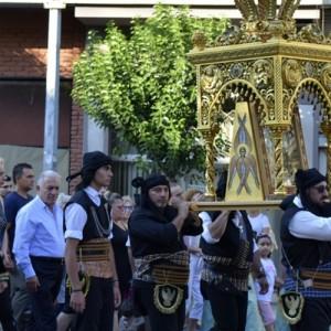 Περιφορές των Ιερών Εικόνων της Αγίας Παρασκευής και του Αγίου Παντελεήμονος
