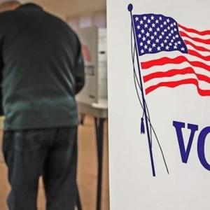 ΗΠΑ:  Ρεπουμπλικάνοι (Τραμπ) στηρίζουν Δημοκρατικούς (Μπάιντεν)