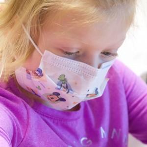 Οσμή σκανδάλου με τις υφασμάτινες μάσκες στα σχολεία