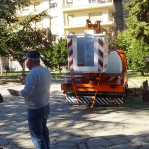 Αγάλματα και μνημεία καθάρισε ο Δήμος Καστοριάς