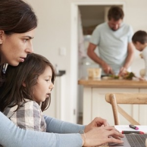 Νέα διαδικτυακά σεμινάρια για γονείς από το Κέντρο Πρόληψης Ελπίδα