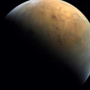 Το   Hope των Ηνωμένων Αραβικών Εμιράτων έστειλε την πρώτη φωτογραφία του Άρη