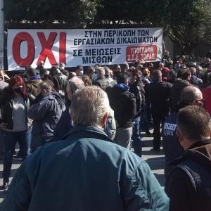 Το Εργατοϋπαλληλικό Κέντρο Θεσσαλονίκης  στηρίζει τους   εργαζόμενους στον ΟΑΣΘ