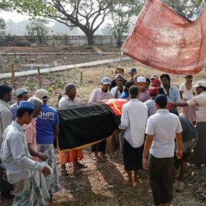 Εκατόμβη νεκρών στην Μιανμάρ μετά το πραξικόπημα