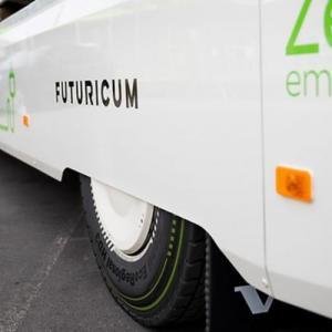 Το πρώτο ηλεκτρικό φορτηγό εταιρείας κούριερ αποκτά ελαστικά Continental
