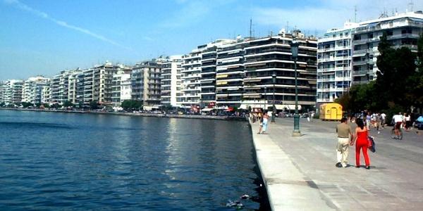 Λίγες νεφώσεις παροδικά αυξημένες σήμερα Δευτέρα στη Θεσσαλονίκη