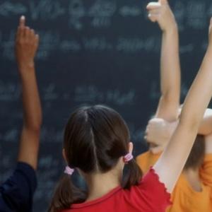 Κανονικά θα λειτουργούν  τα σχολεία στην γιορτή των Τριών Ιεραρχών