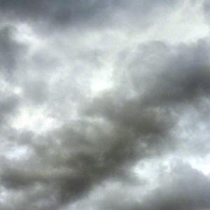 Νεφώσεις παροδικά αυξημένες με τοπικές βροχές