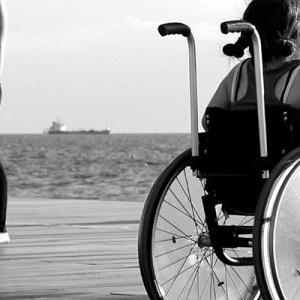 Ανελκυστήρες για άτομα με αναπηρίες τοποθετεί ο Δήμος Θεσσαλονίκης σε σχολεία