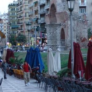 Έκτακτη συνεδρίαση του Δήμου Θεσσαλονίκης για τα τραπεζοκαθίσματα