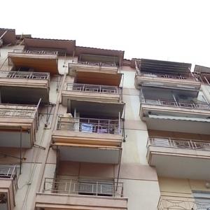 Airbnb: Τέλος οι μισθώσεις σε πολυκατοικίες