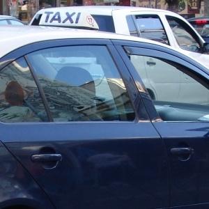 Μέχρι δύο επιβάτες από σήμερα στα ταξί