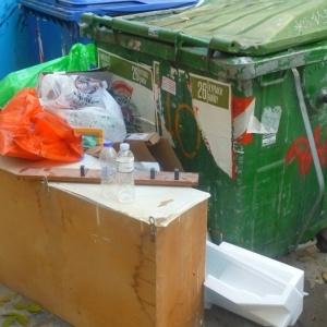 Αποκλεισμένο από ..σκουπίδια το ιστορικό κέντρο της Θεσσαλονίκης
