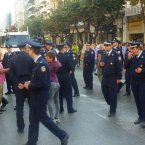 Παράσταση διαμαρτυρίας αστυνομικών  έξω από την αστυνομική Διεύθυνση Θεσσαλονίκης