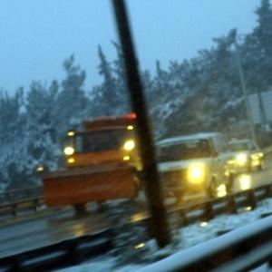 Τα πρώτα χιόνια στη Β. Ελλάδα - πού χρειάζονται αλυσίδες