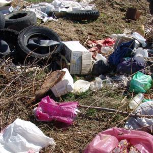 Παράνομη χωματερή στα Πεύκα Θεσσαλονίκης