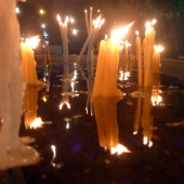 Παρεκκλήσι Αγίας Παρασκευής Παλαιοκάστρου - Κεριά στο νερό © goTHESS.gr